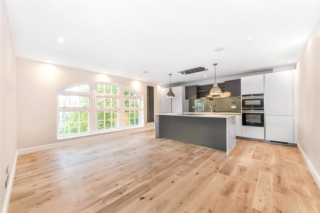 2 Bedrooms Flat for sale in High Park Road, Kew, Surrey