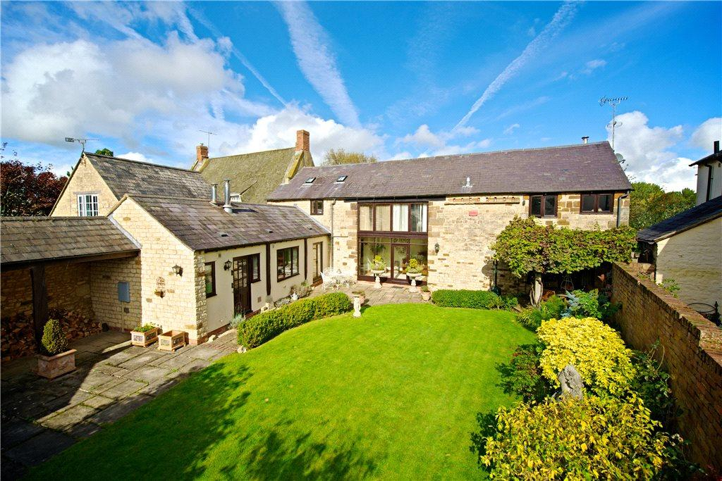 5 Bedrooms Barn Conversion Character Property for sale in Water Lane, Bradden, Northamptonshire