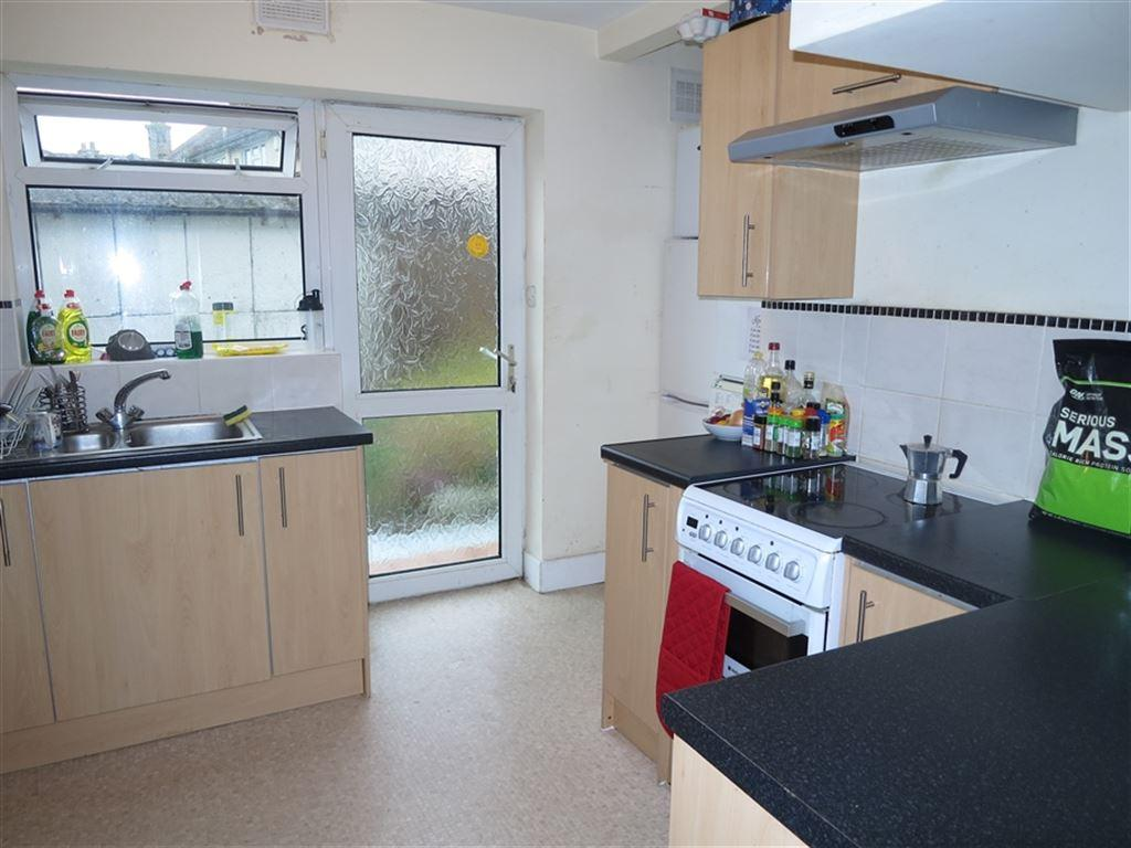 5 Bedrooms House for rent in Victoria Avenue, Winton, Bournemouth, Dorset