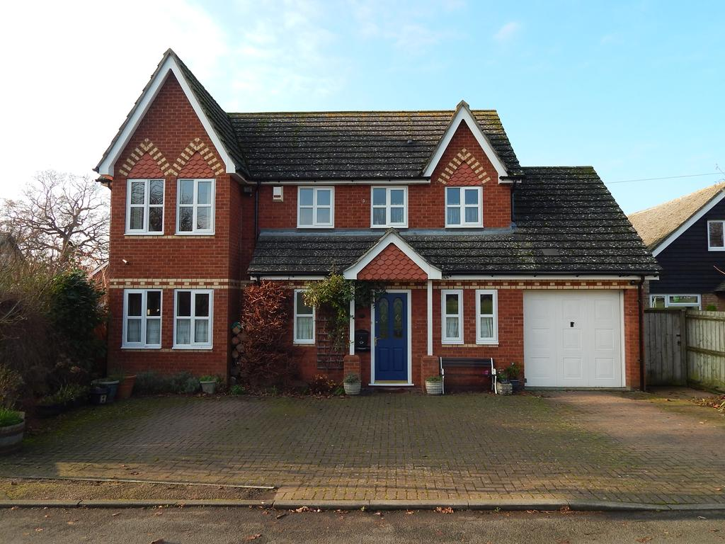 4 Bedrooms Detached House for sale in Park Lane, Henlow SG16