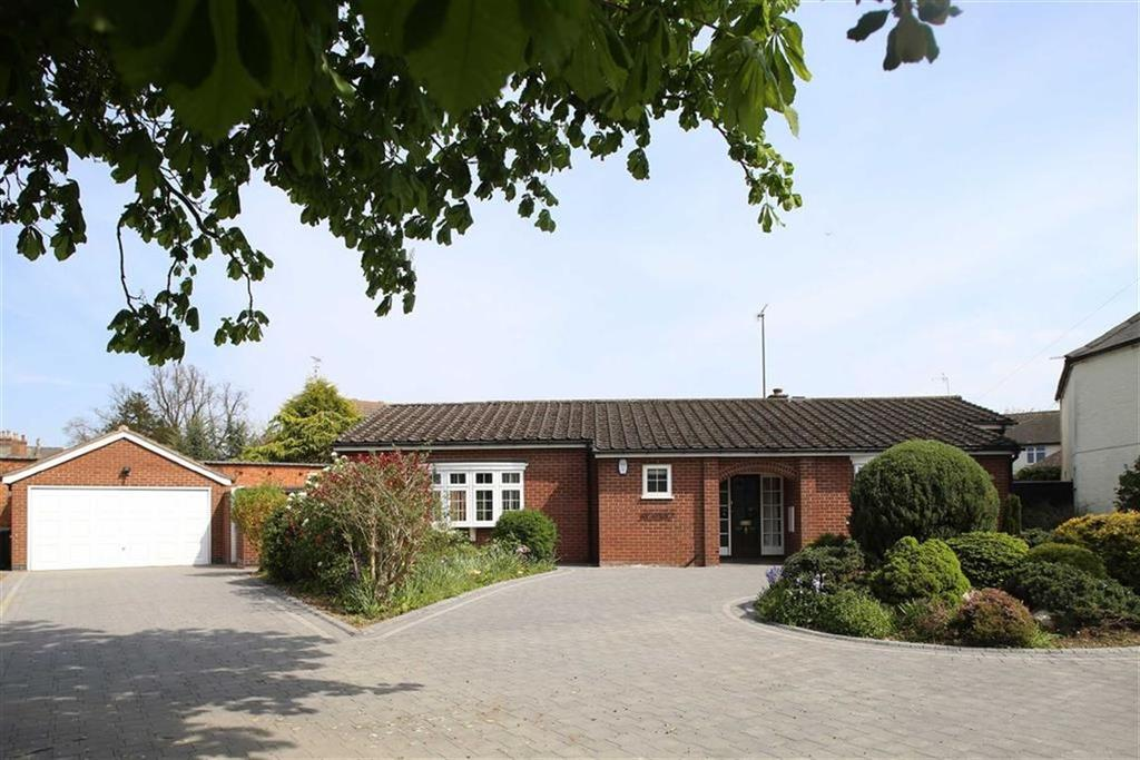 3 Bedrooms Detached Bungalow for sale in Bell Lane, Husbands Bosworth, Leicestershire