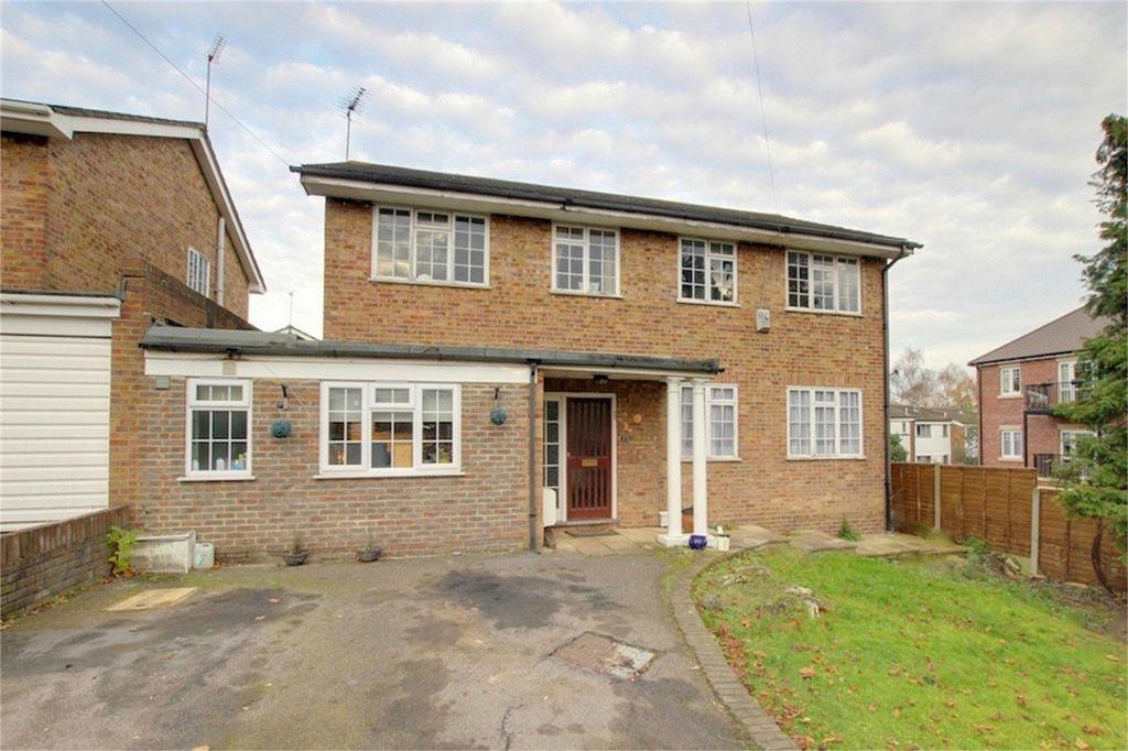 6 Bedrooms Detached House for sale in St Johns Road, Loughton, Essex