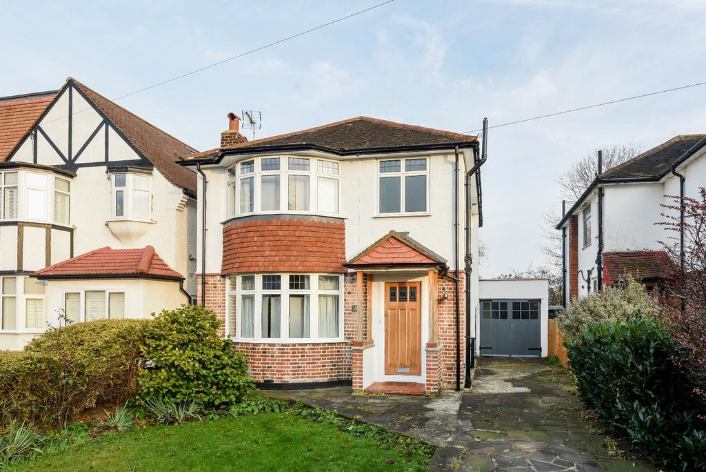 3 Bedrooms Detached House for sale in Cambridge Drive Lee SE12