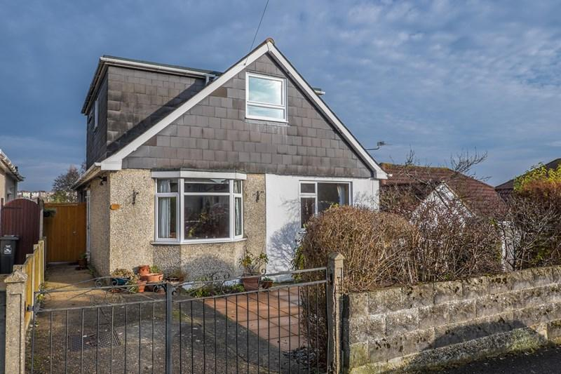 3 Bedrooms Chalet House for sale in Gloucester Road, Parkstone, Poole