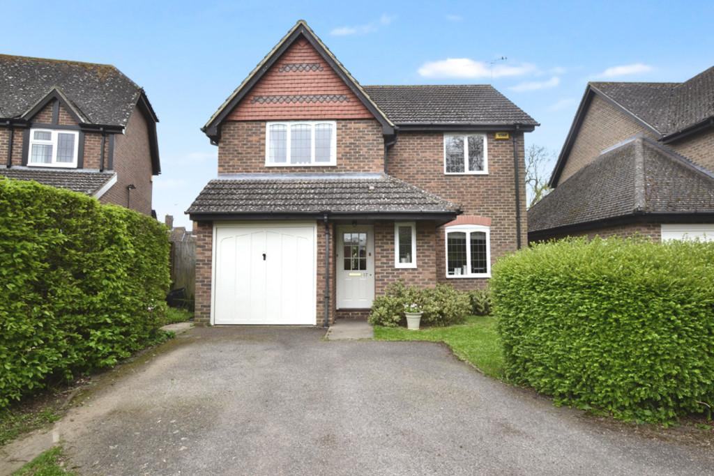 4 Bedrooms Detached House for sale in Langley Close, Winslow