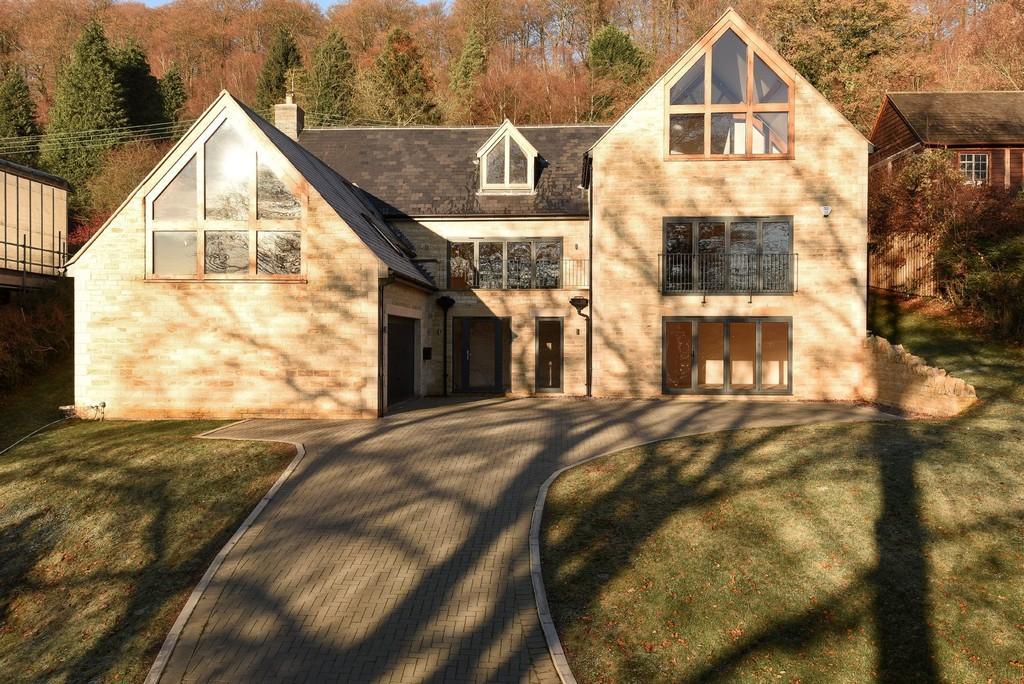 5 Bedrooms Detached House for sale in Slad