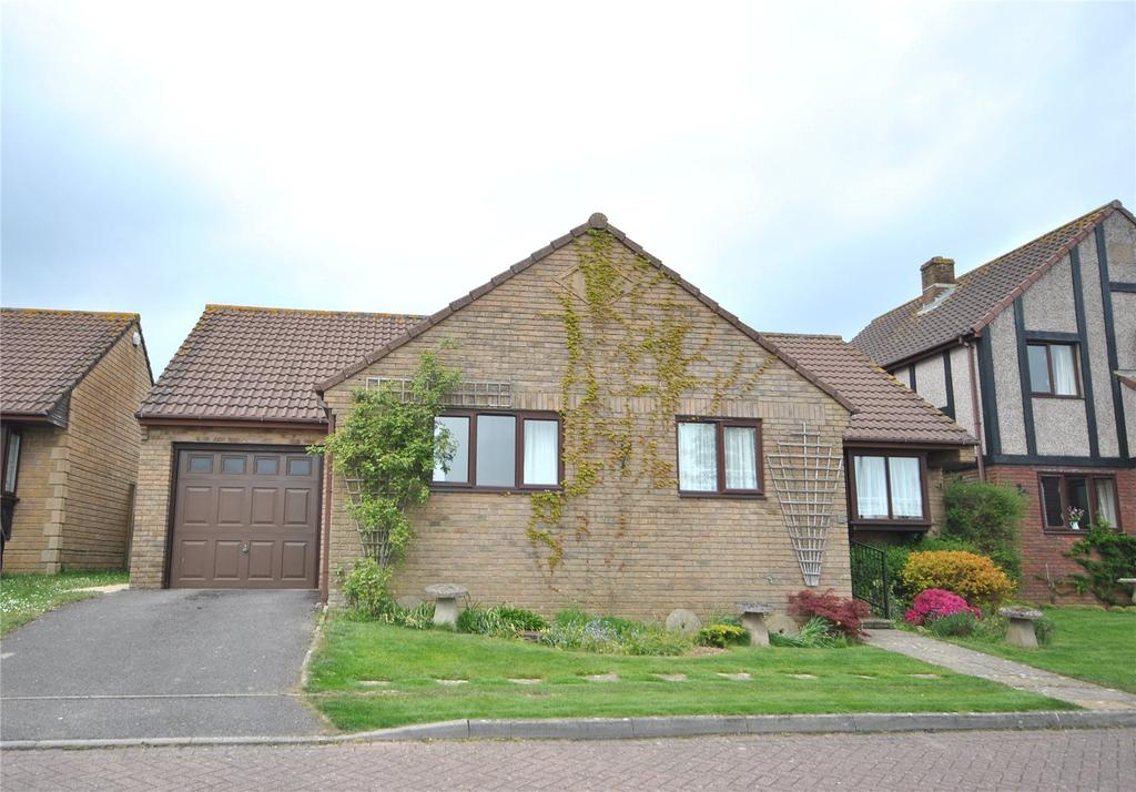 3 Bedrooms Bungalow for sale in Dening Close, Chard, Somerset, TA20