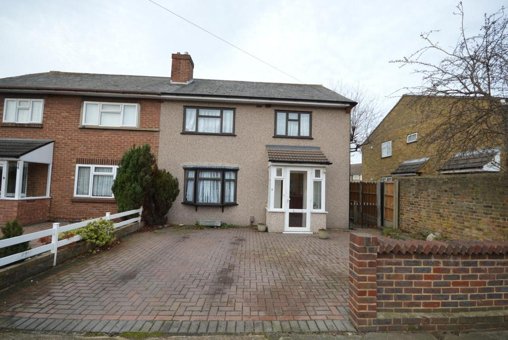 3 Bedrooms Semi Detached House for sale in Kendal Croft, Elm Park, Hornchurch, Essex, RM12