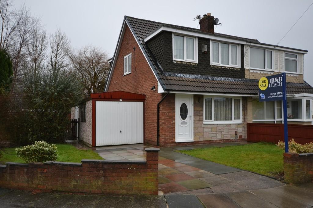 3 Bedrooms Semi Detached Bungalow for sale in Goodleigh Place, Sutton Leach, St. Helens