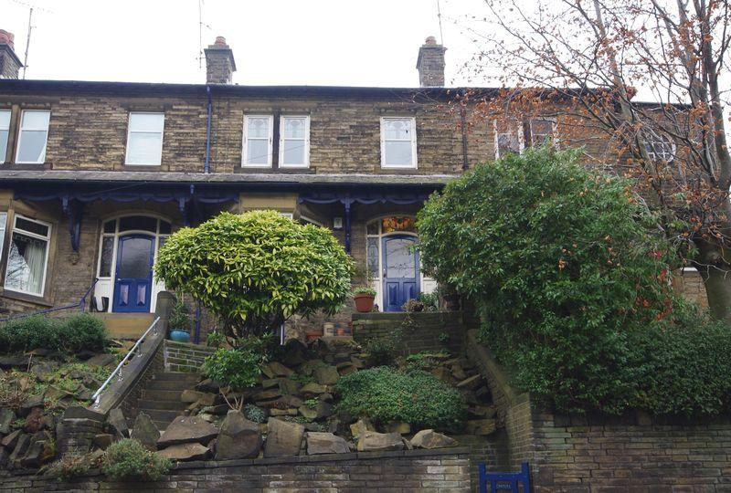 4 Bedrooms Terraced House for sale in Montana, Burnley Road, Luddendenfoot, HX2 6AR