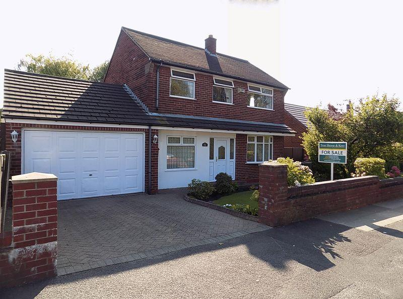 3 Bedrooms Detached House for sale in Central Drive, Bolton