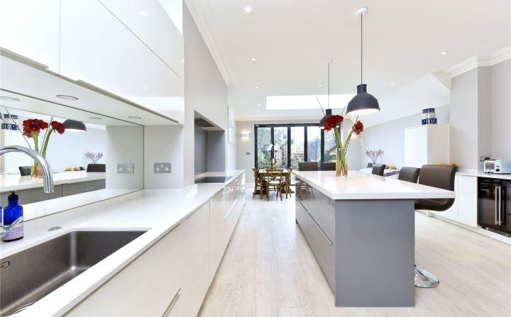 5 Bedrooms Terraced House for sale in Rush Hill Road, London, SW11