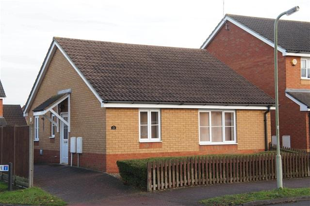 2 Bedrooms Detached Bungalow for sale in Carroll Drive, Bedford