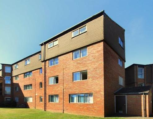 1 Bedroom Flat for sale in Cranston Close, Hounslow