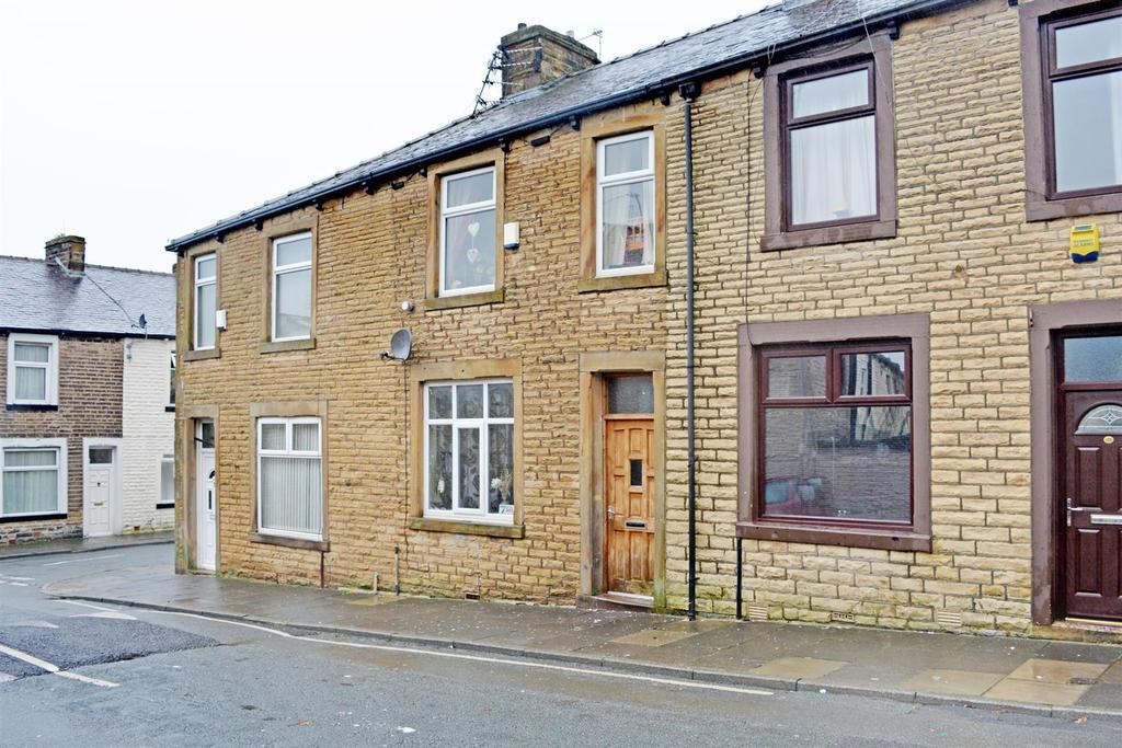 3 Bedrooms Terraced House for sale in Woodbine Road, Burnley