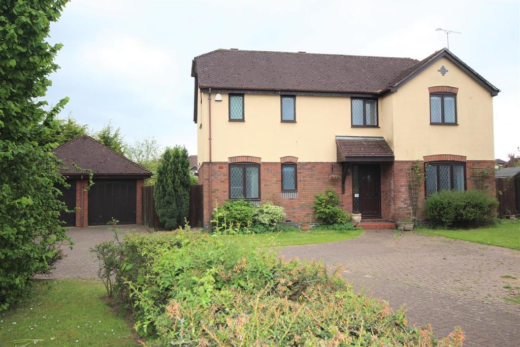 4 Bedrooms Detached House for sale in Yewhurst Close, Twyford, Reading