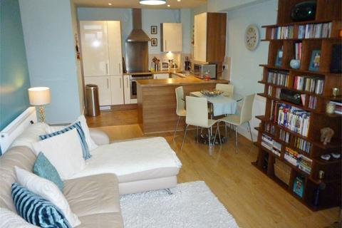 2 bedroom flat to rent - Lesley Court, Rainsford Road, CHELMSFORD, Essex