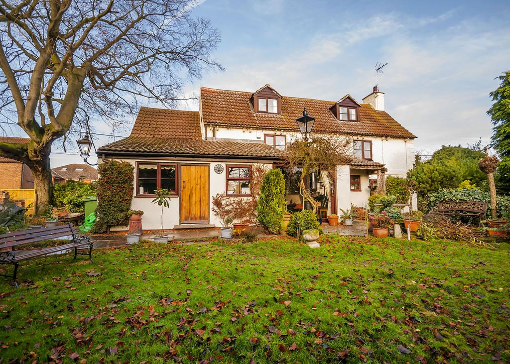 3 Bedrooms Cottage House for sale in Top Street, Askham, Newark