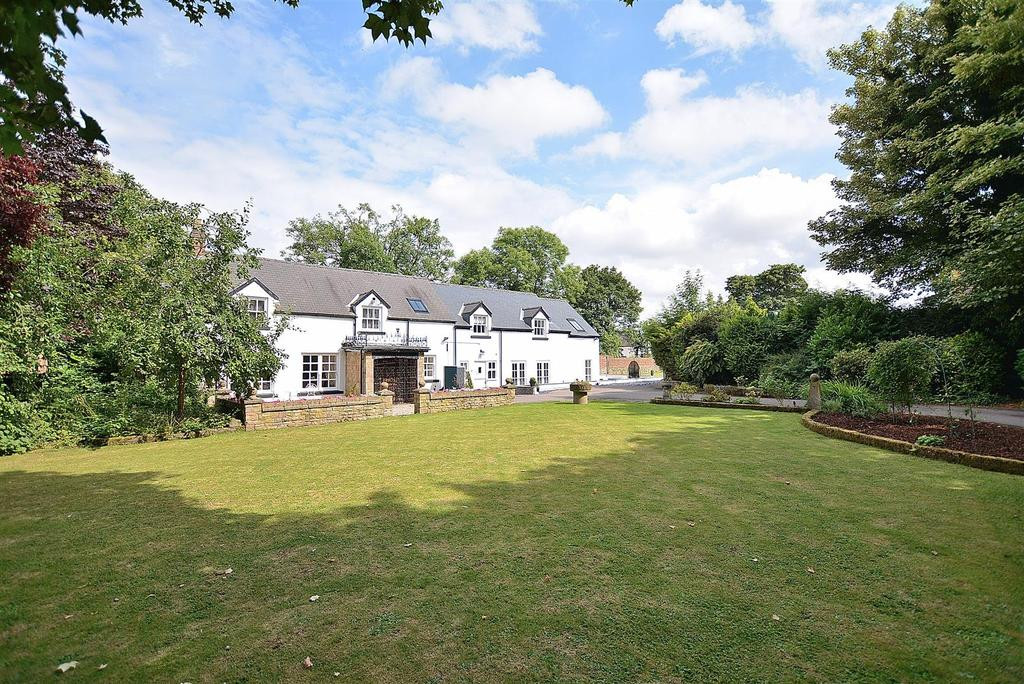 4 Bedrooms Detached House for sale in The Chantry, Teversal Village