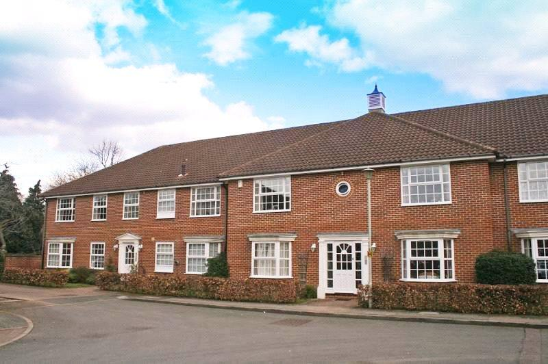 1 Bedroom Flat for sale in Parkway Gardens, Welwyn Garden City, Hertfordshire