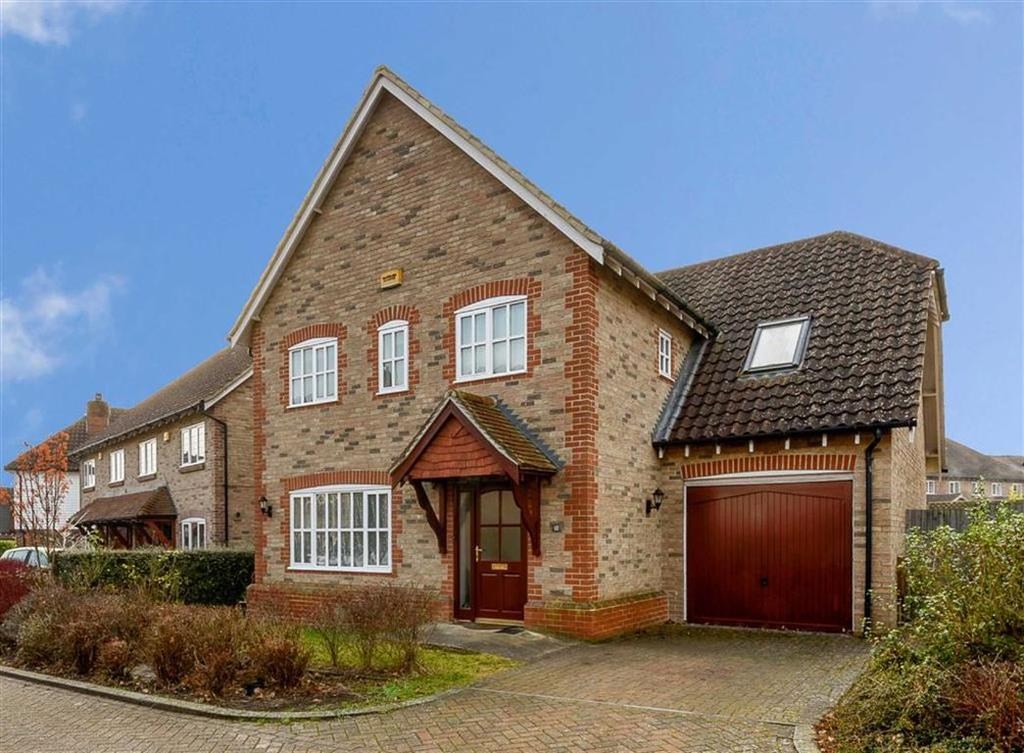 5 Bedrooms Detached House for sale in Brisley Court, Ashford, Kent