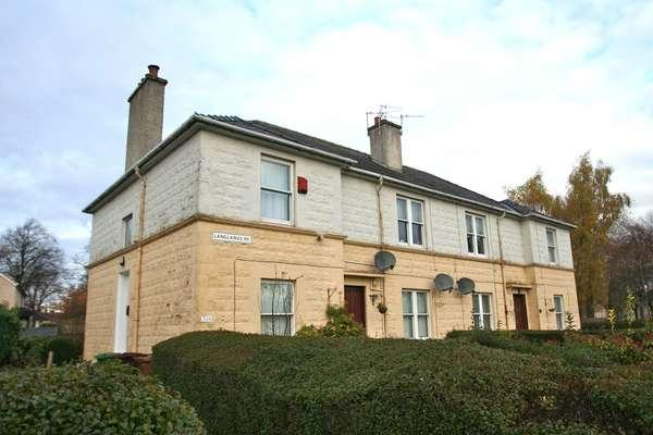 2 Bedrooms Flat for sale in 302 Langlands Road, Linthouse, Glasgow, G51 4LJ