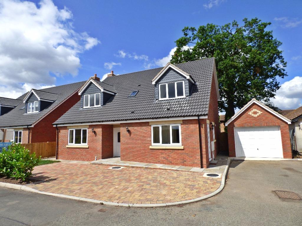 4 Bedrooms Detached House for sale in King's Acre Road, Kings Acre, Hereford