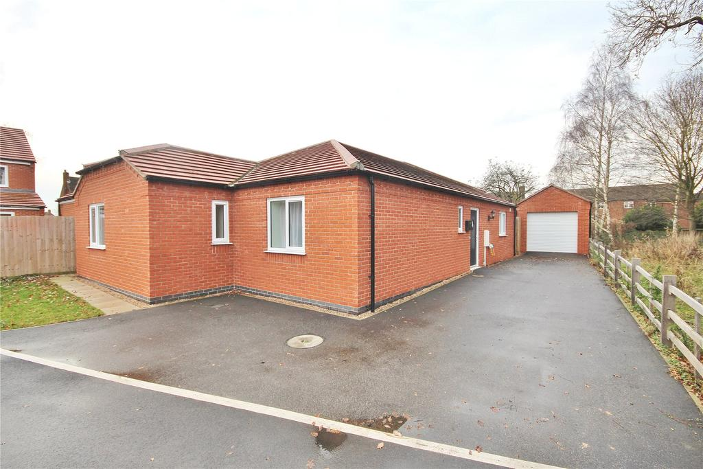 3 Bedrooms Detached Bungalow for sale in Dambuster Court, Witham St Hughs, LN6