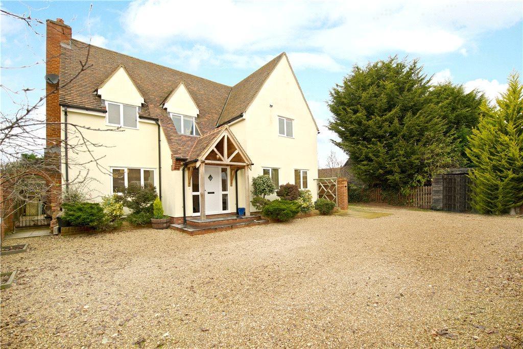 5 Bedrooms Detached House for sale in St. Johns Road, Moggerhanger, Bedford, Bedfordshire