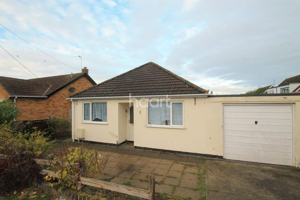3 Bedrooms Bungalow for sale in Darlington Drive