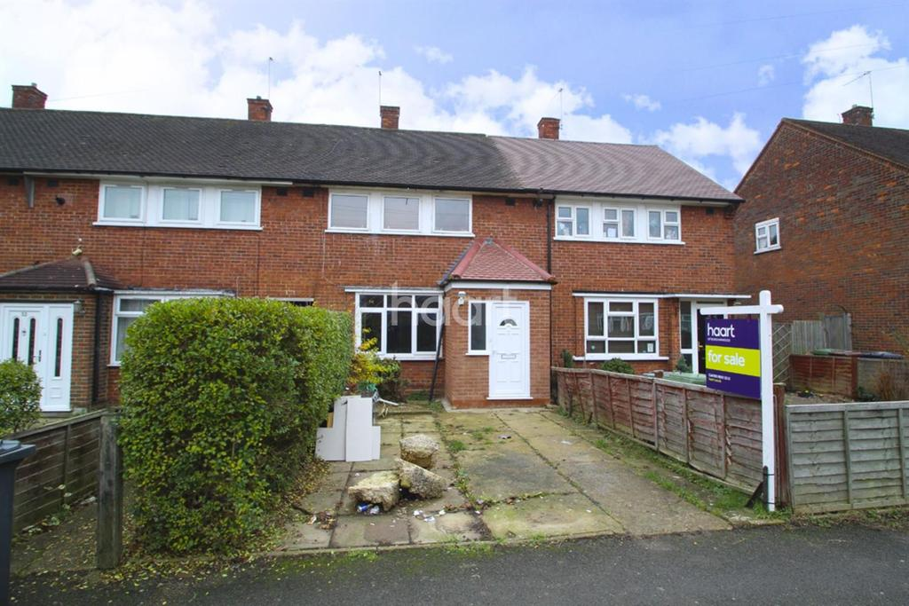 3 Bedrooms Terraced House for sale in Cromwell Road, Borehamwood