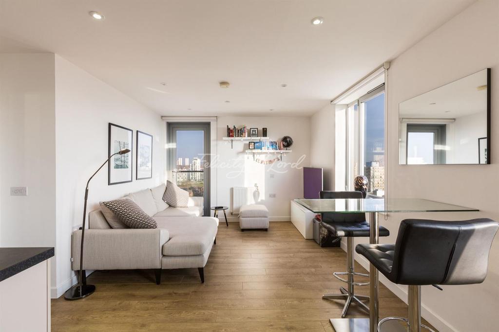 1 Bedroom Flat for sale in Moro Apartments, New Festival Quarter, E14