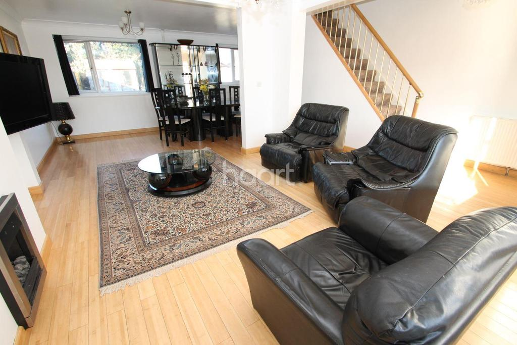 5 Bedrooms Semi Detached House for sale in Kings Walk, Leicester Forest East, Leicester
