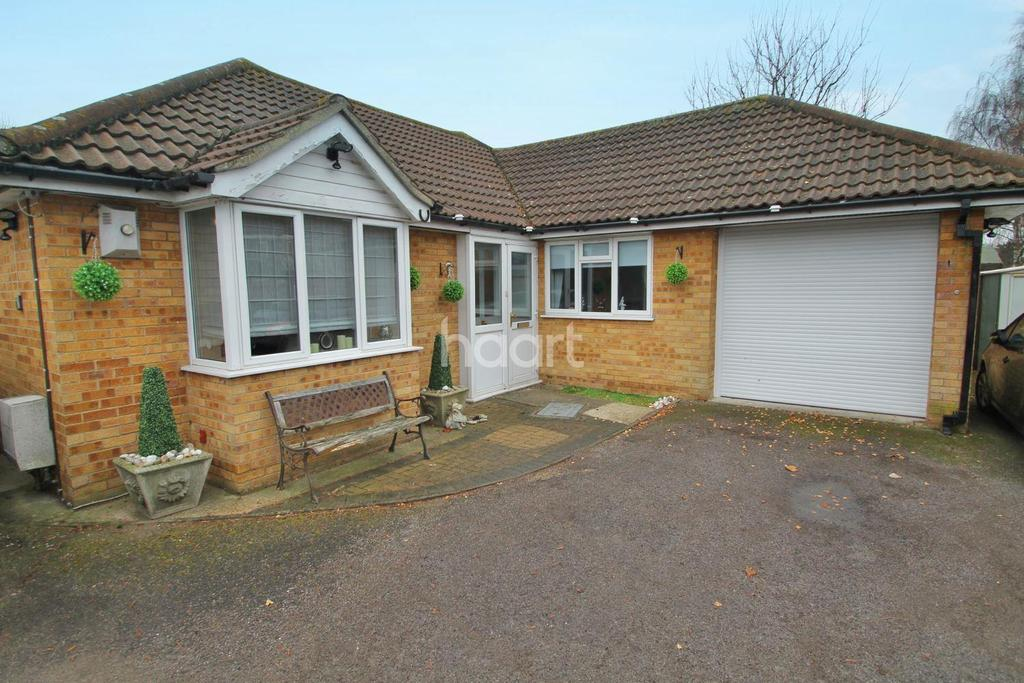 3 Bedrooms Bungalow for sale in Hillborough Road
