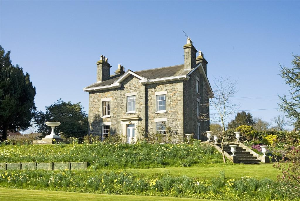 7 Bedrooms Detached House for sale in Welshpool, Powys