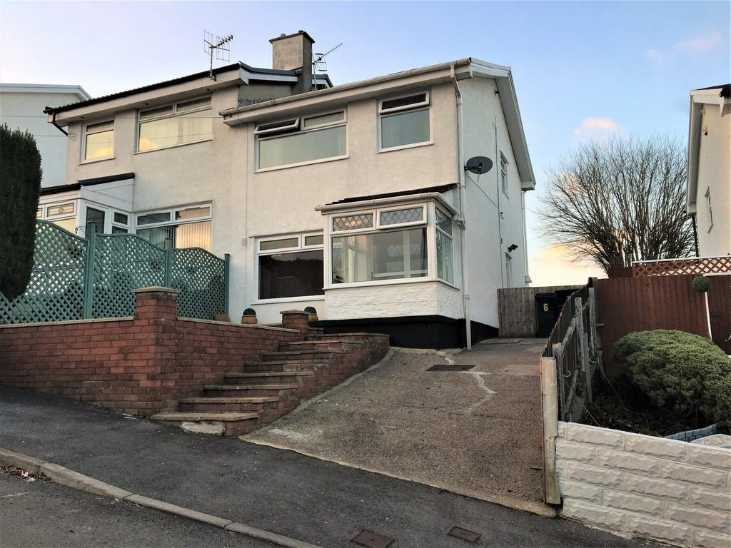 3 Bedrooms Semi Detached House for sale in Westwood Drive, Quakers Yard