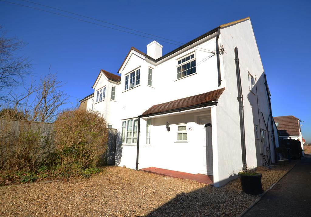 2 Bedrooms Apartment Flat for sale in Little Green Lane, Farnham