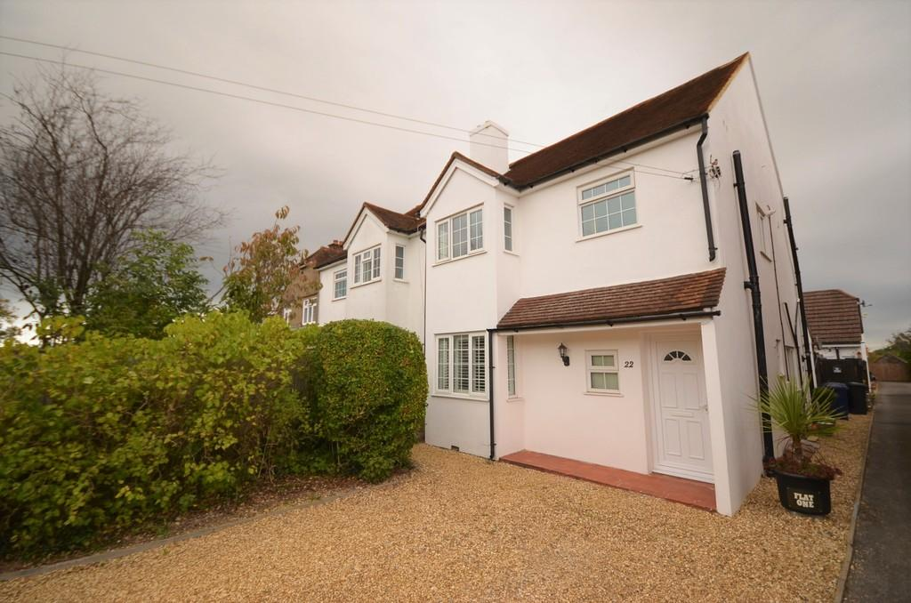 2 Bedrooms Apartment Flat for sale in Little Green Lane, Farnham