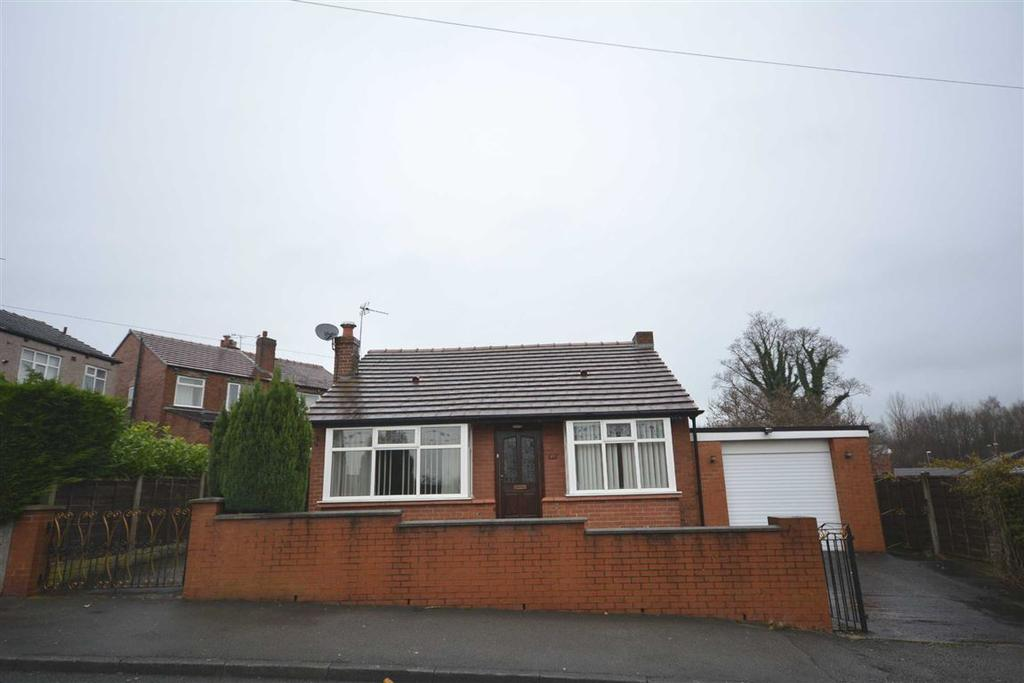2 Bedrooms Detached Bungalow for sale in Highfield Avenue, Whelley, Wigan, WN1