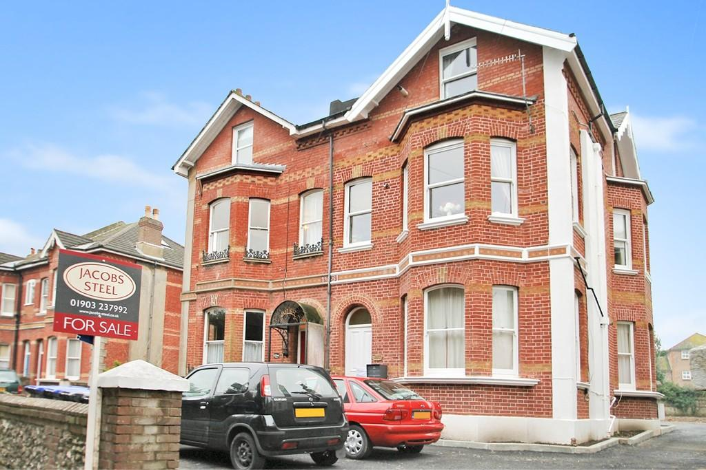 2 Bedrooms Apartment Flat for sale in Park Road, Worthing, BN11 2AP