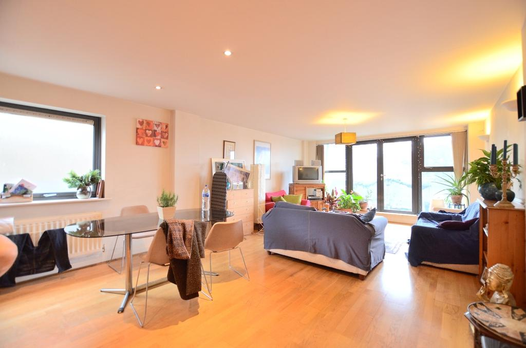 3 Bedrooms Flat for sale in Streamline Mews East Dulwich SE22