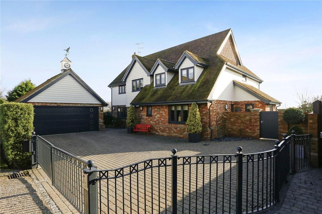 5 Bedrooms Detached House for sale in North Fambridge, Chelmsford, CM3