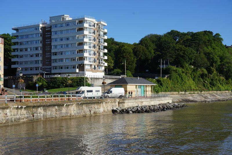 3 Bedrooms Apartment Flat for sale in Seabank, The Esplanade, Penarth