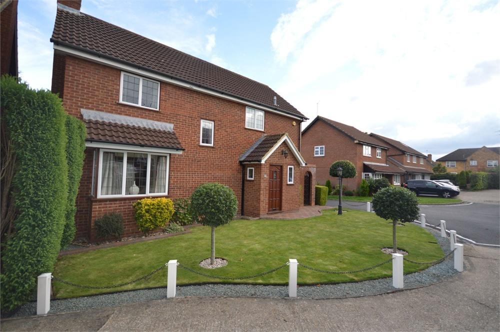 4 Bedrooms Detached House for sale in Avalon Close, Garston, Hertfordshire, WD25