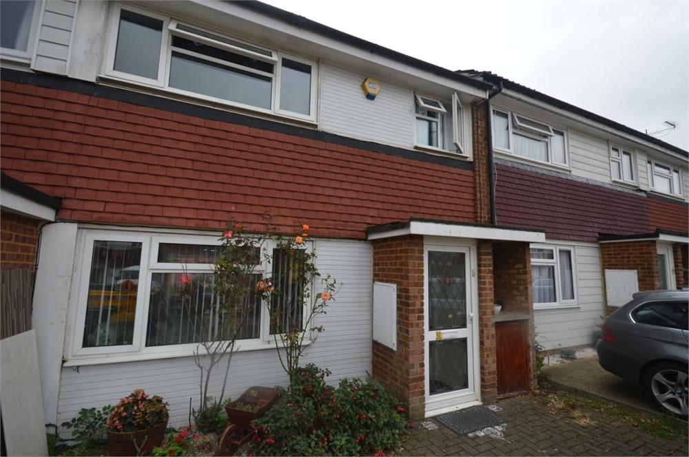 3 Bedrooms Terraced House for sale in Haines Way, Garston, Hertfordshire, WD25
