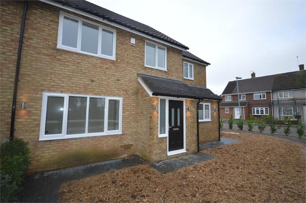 5 Bedrooms Semi Detached House for sale in Leveret Close, Garston, Hertfordshire, WD25