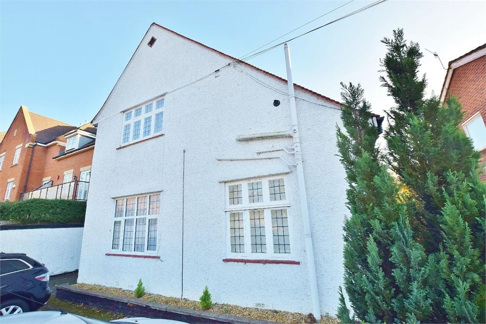 1 Bedroom Apartment Flat for sale in Eastbury Road, Oxhey, Hertfordshire, WD19