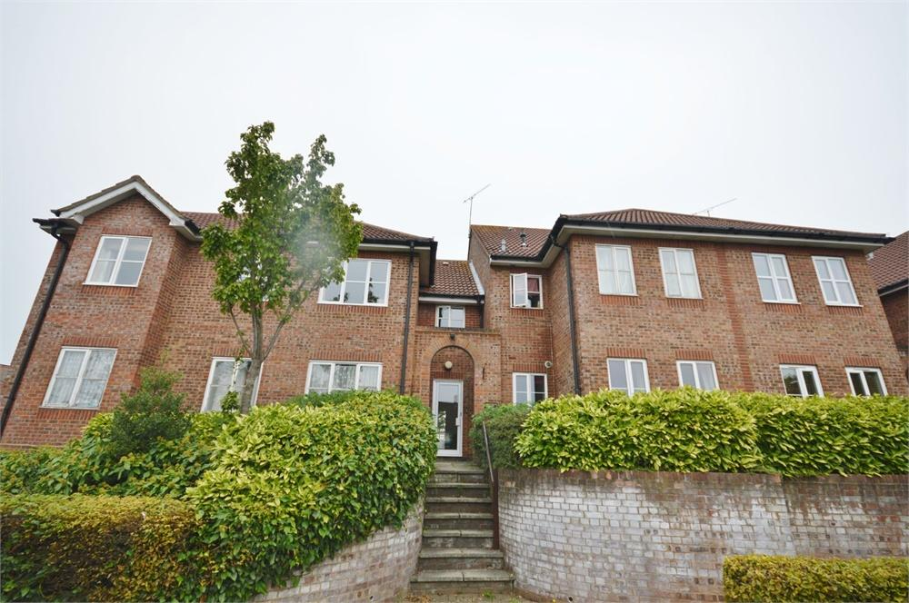 2 Bedrooms Apartment Flat for sale in Abbotsbury Court, 15 The Brow, Garston, Hertfordshire, WD25