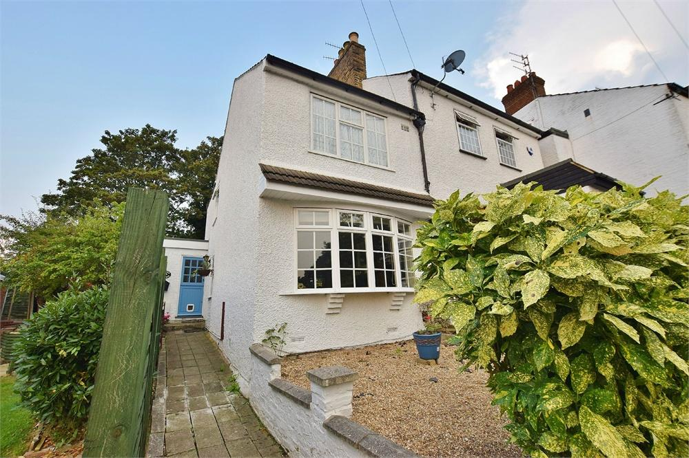 3 Bedrooms Semi Detached House for sale in School Lane, Bushey Heath, Hertfordshire, WD23