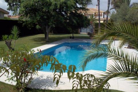 5 bedroom villa  - Orihuela Costa, Alicante